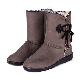 Women winter boots with sheep wool