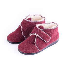 Women's slippers with Velcro fastener red