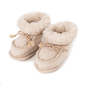 Newborn slippers from Sheep Wool